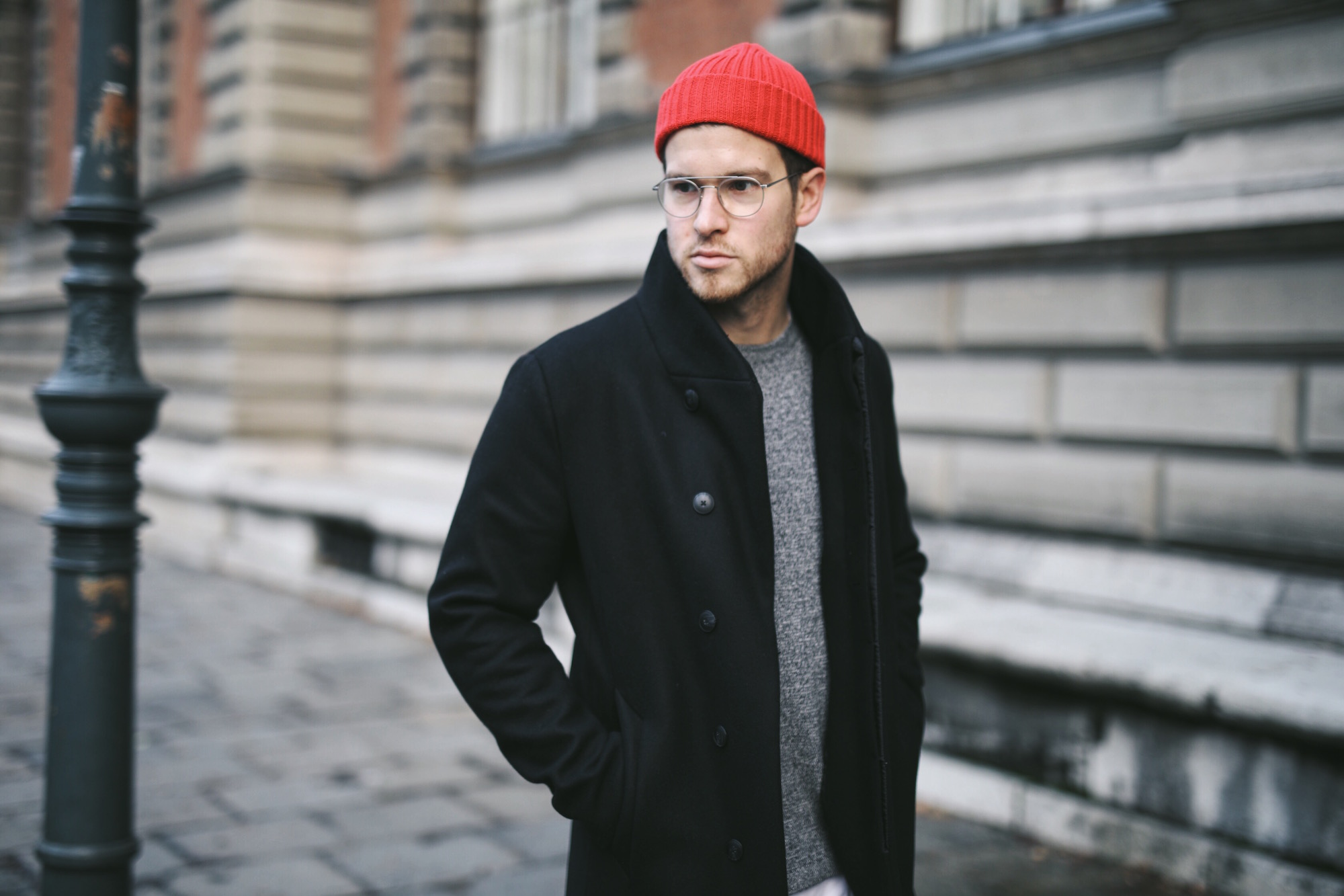 Jack and Jones Premium Mantel_Casual Sundays_Red Beanie_Meanwhile in Awesometown_Austrian Mens Fashion Blogger_Maleblogger_Wiener Blogger_Maennerblog8