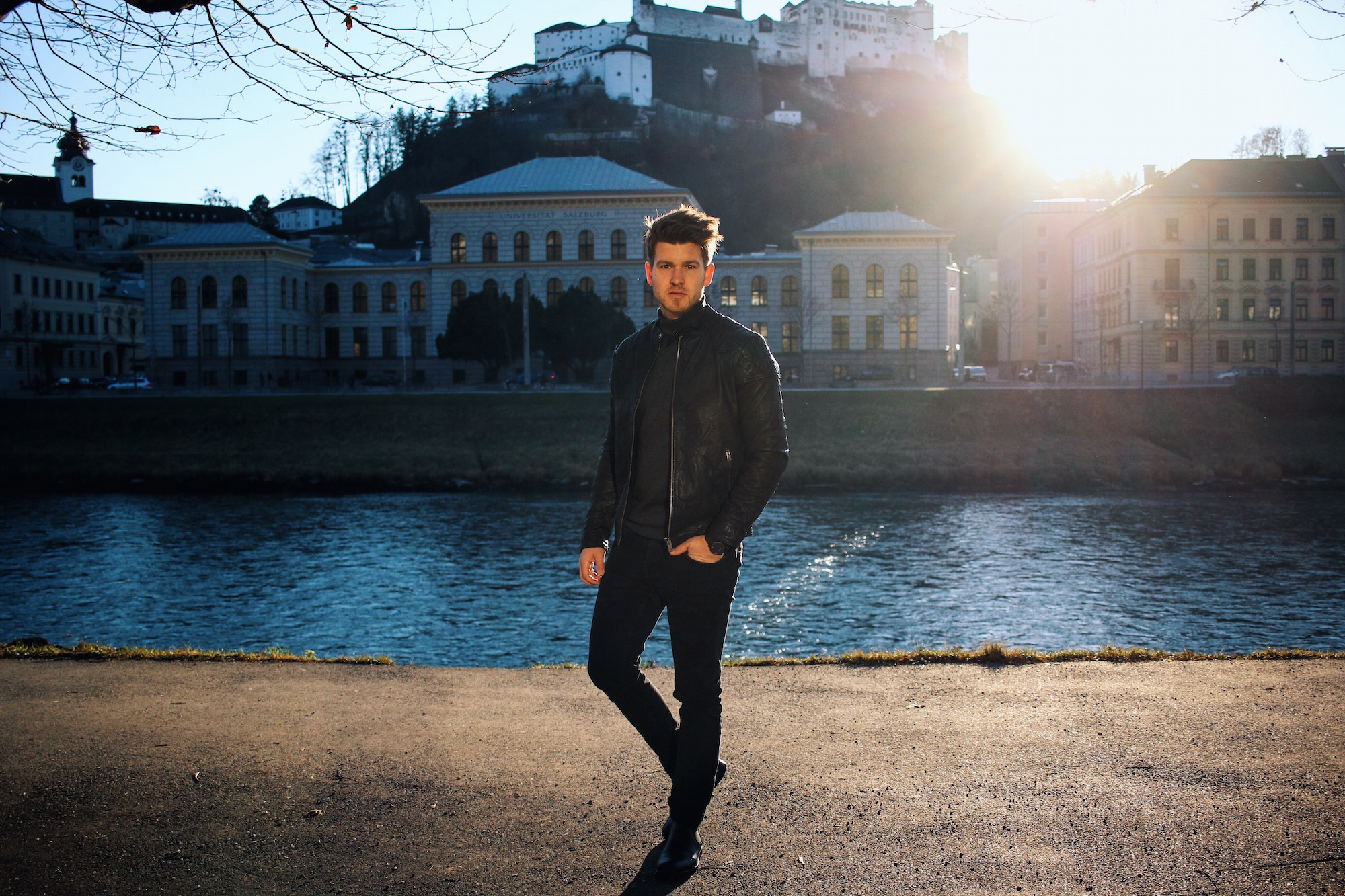 All Black Look by Selected Homme Lederjacke Rollkragenpullover und Chelsea Boots _ Meanwhile in Awesometown _ Wiener Blogger _ Maleblogger _ Mens Fashion Blogger5