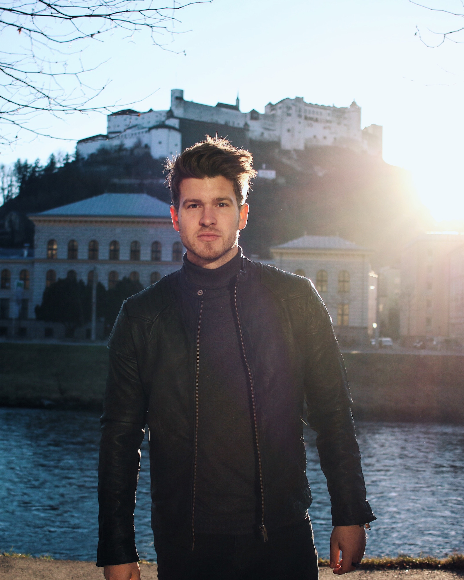 All Black Look by Selected Homme Lederjacke Rollkragenpullover und Chelsea Boots _ Meanwhile in Awesometown _ Wiener Blogger _ Maleblogger _ Mens Fashion Blogger6