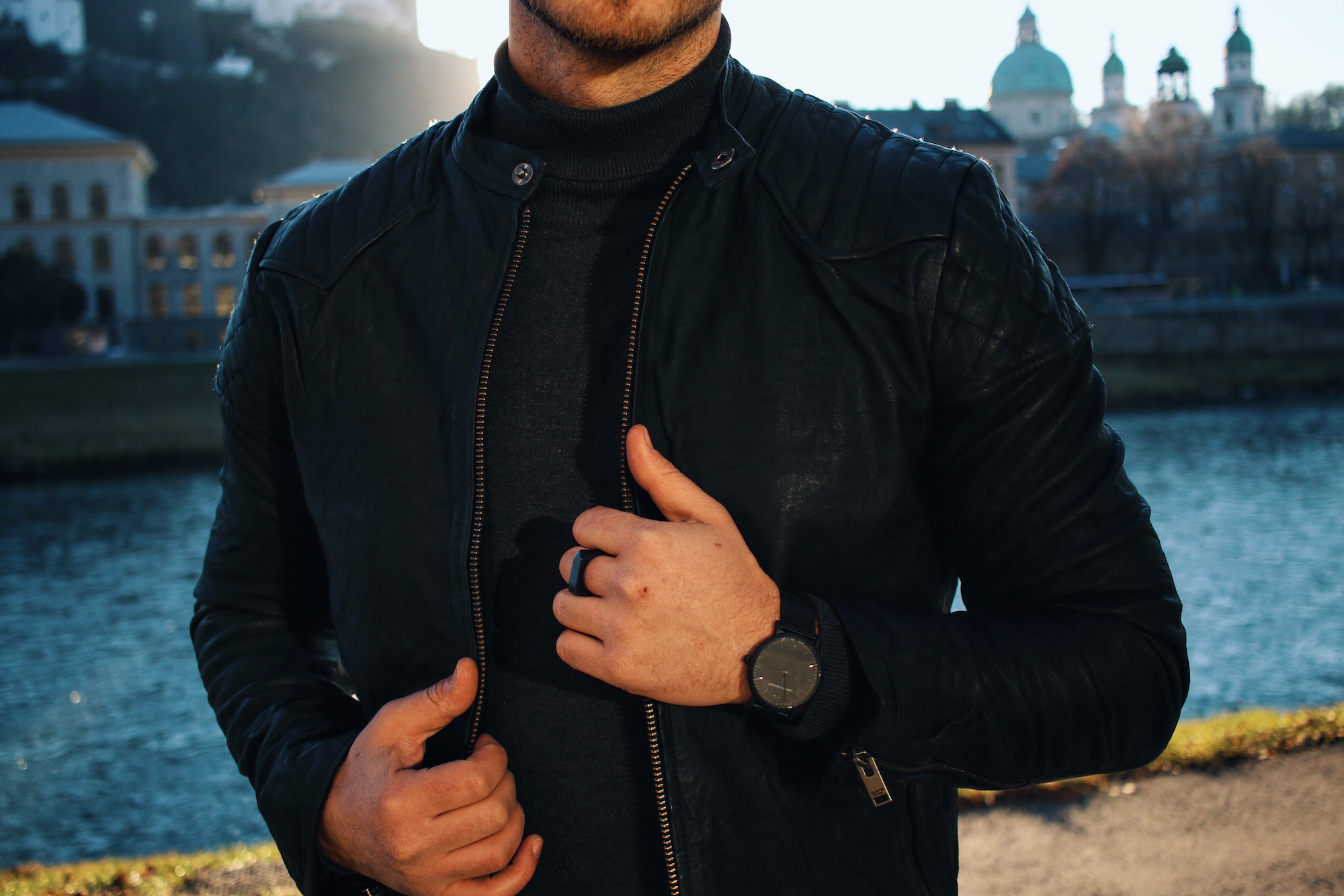 All Black Look by Selected Homme Lederjacke Rollkragenpullover und Chelsea Boots _ Meanwhile in Awesometown _ Wiener Blogger _ Maleblogger _ Mens Fashion Blogger8