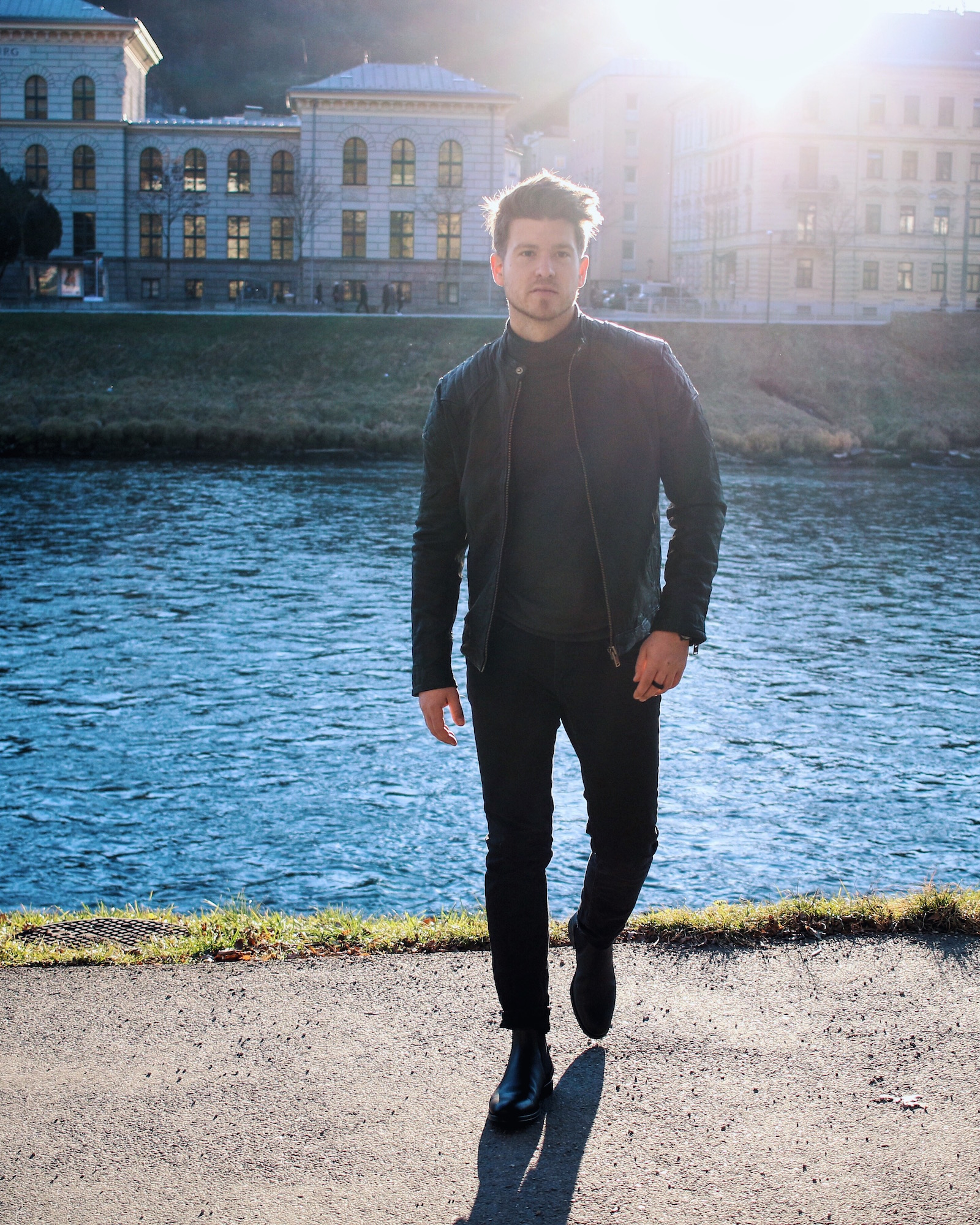 All Black Look by Selected Homme Lederjacke Rollkragenpullover und Chelsea Boots _ Meanwhile in Awesometown _ Wiener Blogger _ Maleblogger _ Mens Fashion Blogger9