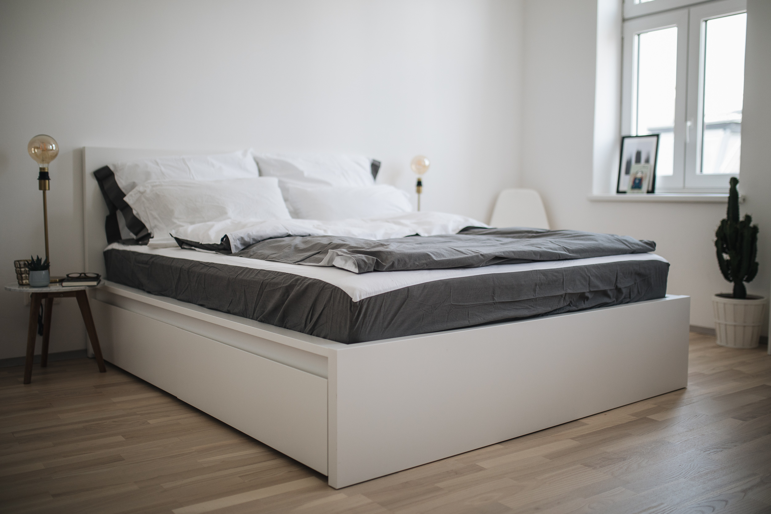 unser schlafzimmer mit casper matratze zur wohlf hloase meanwhileinawesometown. Black Bedroom Furniture Sets. Home Design Ideas