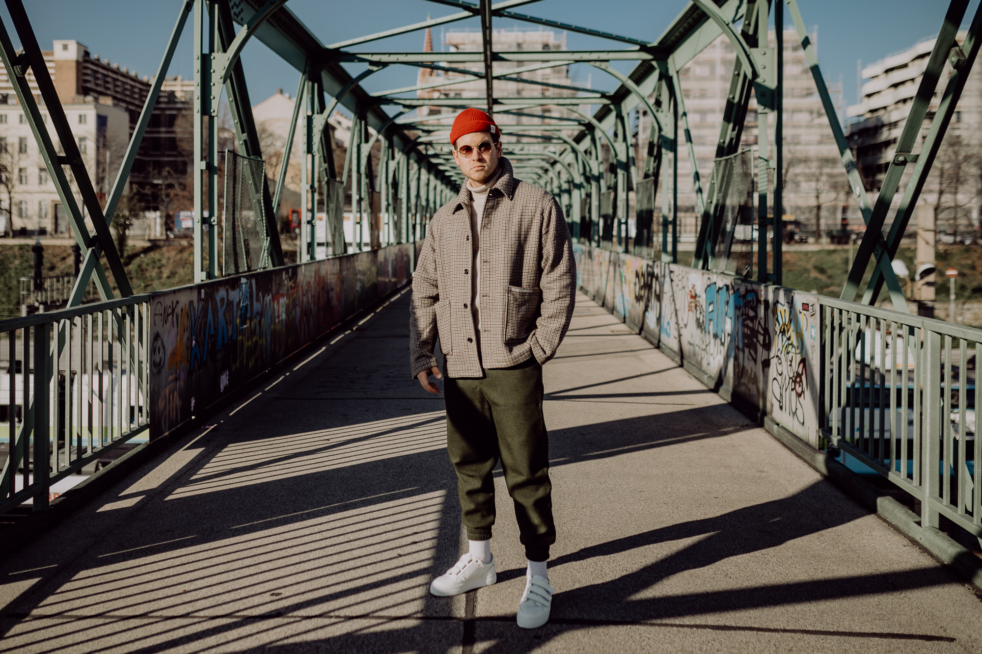 How to style jogger pants this winter   MEANWHILEINAWESOMETOWN